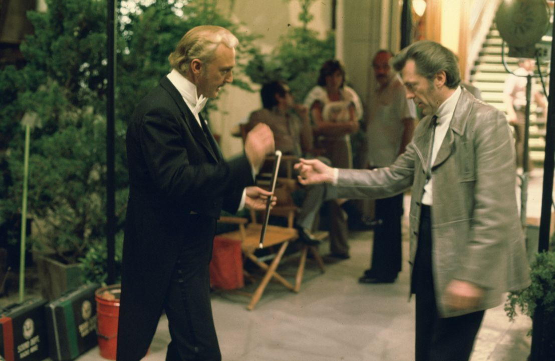 "Der ""Große Santini"" (Jack Cassidy, l.) - Bildquelle: 1975 Universal City Studios LLLP. All Rights Reserved."