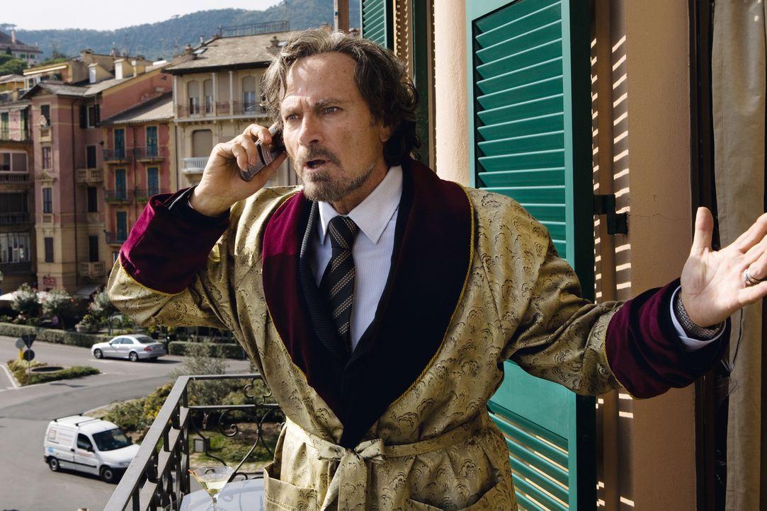 Der ehemalige Mafioso Enrico Puzzo (Franco Nero), der sein Geld mittlerweile als Autor über die Machenschaften der Mafia verdient, ist dem Paten Mar... - Bildquelle: Warner Brothers
