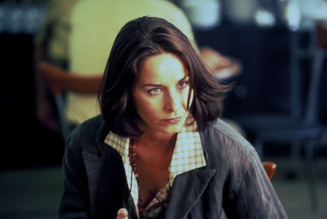 Erfolgreich arbeitet Laura (Katharina Müller-Elmau) als Pressesprecherin der Polizei. Eines Tages wird die Tochter ihrer besten Freundin ermordet. D... - Bildquelle: Frank Lemm ProSieben