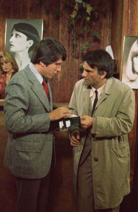 Sergeant Miller (Jon Miller, l.); Columbo (Peter Falk, r.) - Bildquelle: 1976 Universal City Studios LLLP. All Rights Reserved.