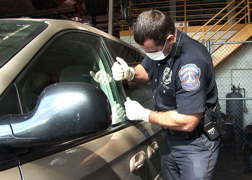 Haben die Cops eine Chance, den mörderischen Schwulenhasser ausfindig zu machen? - Bildquelle: A&E Television Networks