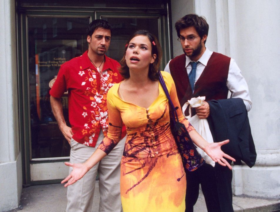 Janni (Rita Lengyel, M.) versucht für ihre Freundin Liza einen Mann zu finden. Ob Carlos (Antonio di Mauro, l.) und Gregor (Joram Völklein, r.) als... - Bildquelle: Christian A. Rieger Sat.1
