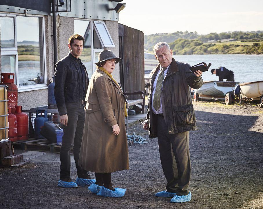 (v.l.n.r.) Aiden Healy (Kenny Doughty); Vera Stanhope (Brenda Blethyn); Kenny Lockhart (Jon Morrison) - Bildquelle: Helen Williams ITV Studios