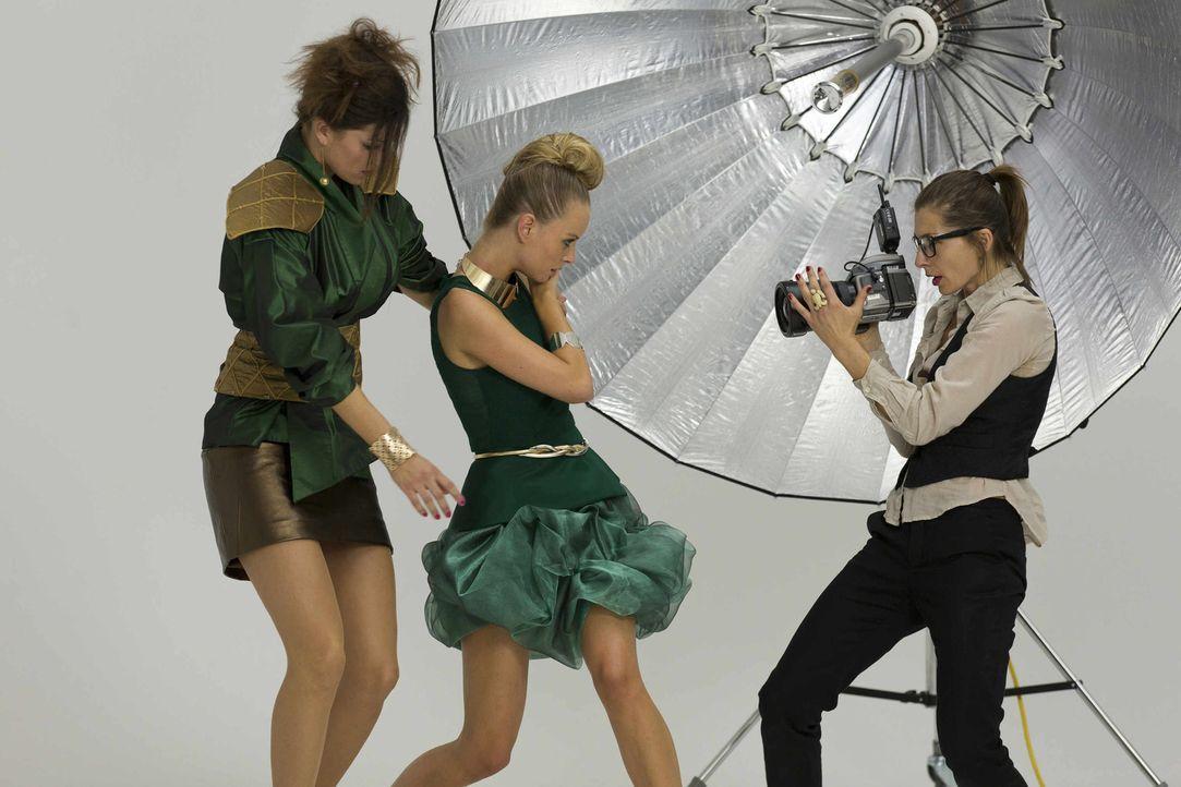In ihrem neuen Fall taucht Danni in die Model-Welt ein ... - Bildquelle: Frank Dicks SAT.1
