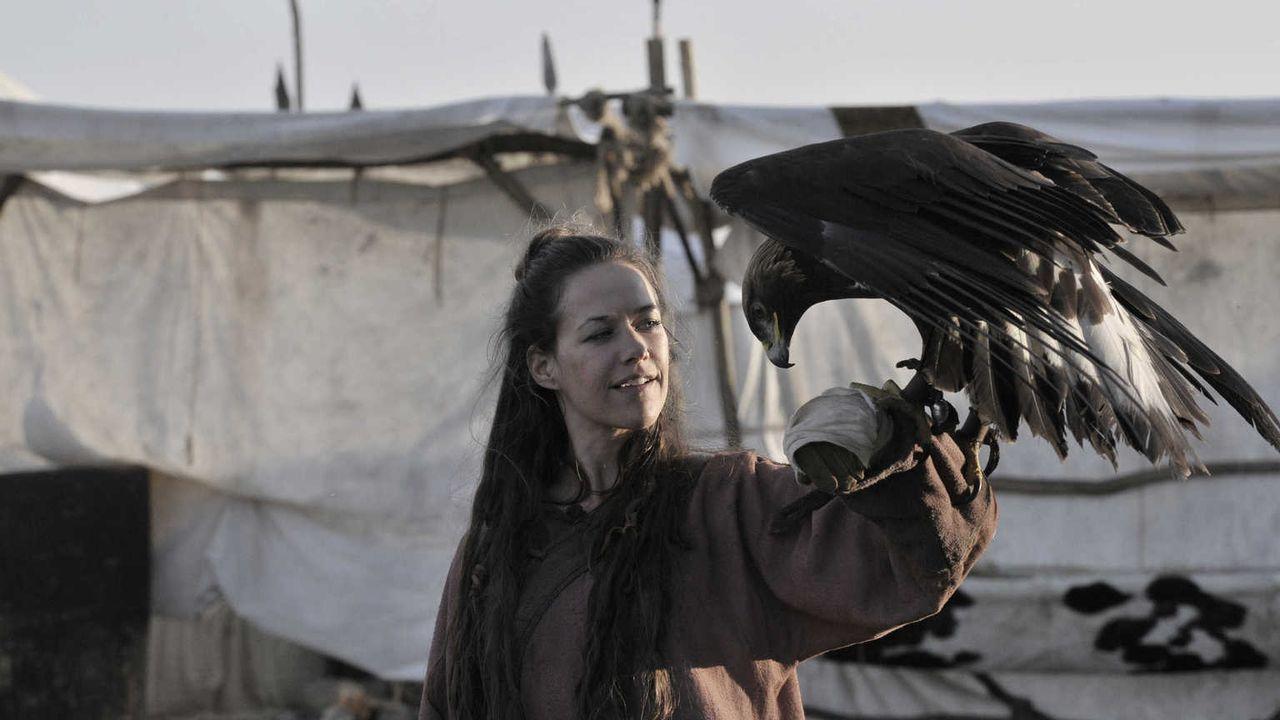 Als es Marie (Alexandra Neldel) gelingt, das Vertrauen des Adlers des Großfürsten Terbent Khan zu gewinnen, ändert sich das Verhalten aller Frauen i... - Bildquelle: Jiri Hanzl SAT.1
