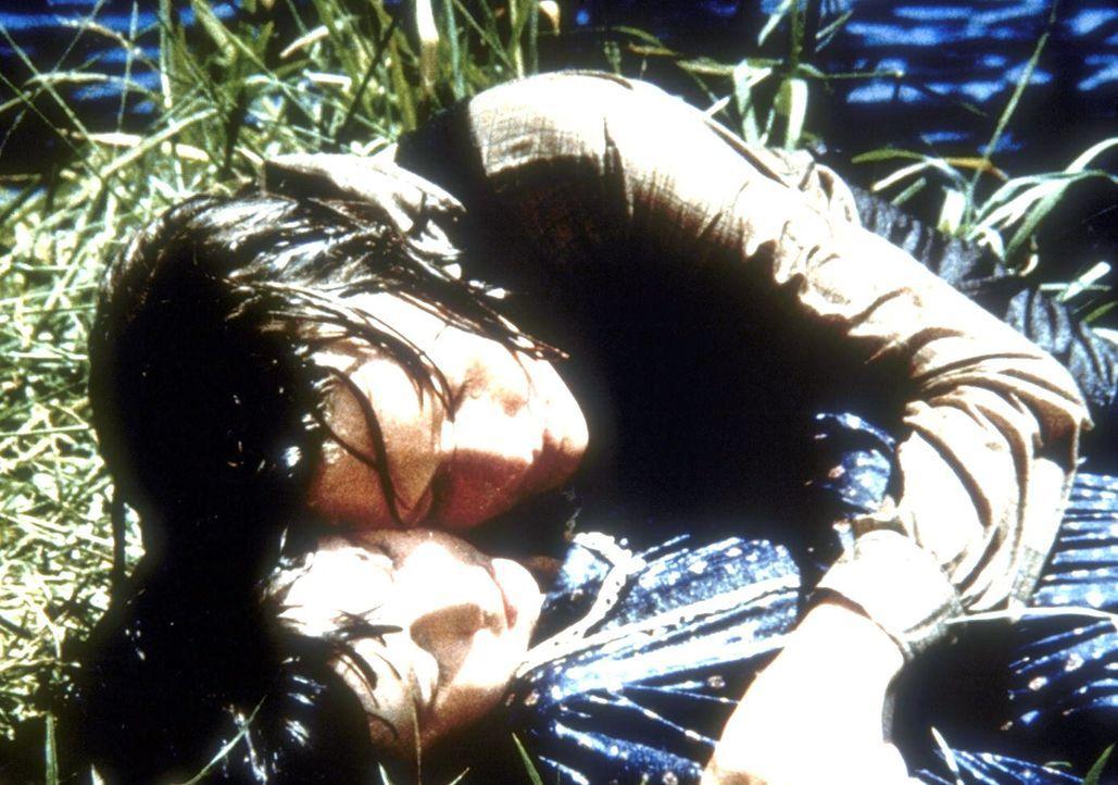 Jeb (Kindsay Kennedy, oben) konnte Jennys (Shannen Doherty) Selbstmordversuch verhindern. - Bildquelle: Worldvision