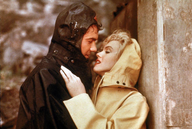 Heimlich treffen sich Rose (Marilyn Monroe, r.) und ihr Liebhaber Ted (Richard Allan, l.) bei den Niagarafällen. Gemeinsam wollen sie den kranken Eh... - Bildquelle: 1953 Twentieth Century Fox Film Corporation.