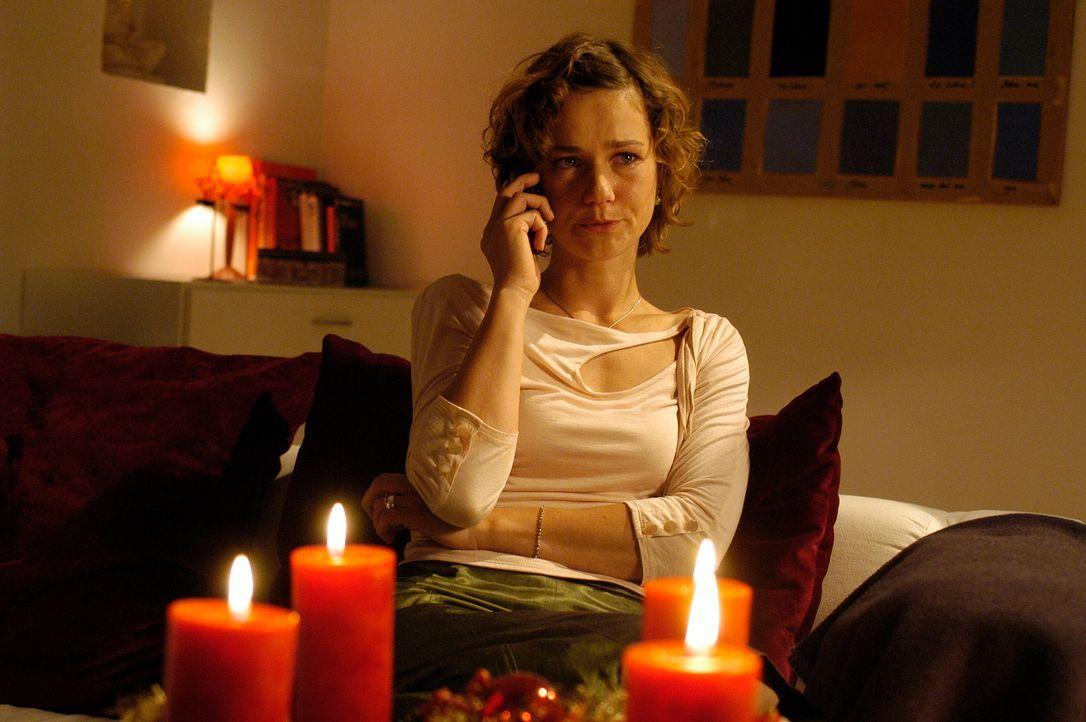 Frieder beschließt, Valerie (Rhea Harder) zu testen, ob sie ihn noch liebt. Zusammen mit Edda inszeniert er einen gefälschten Unfall inklusive Koma... - Bildquelle: Hans Seidenabel ProSieben