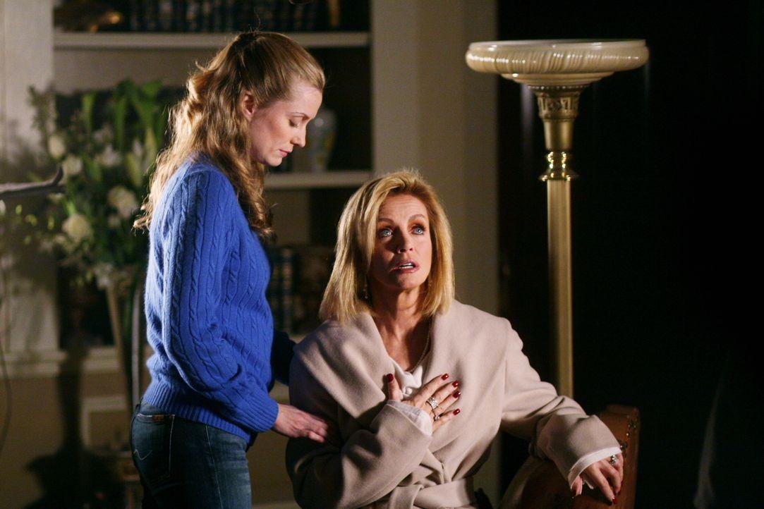 Lauren Williams (Donna Mills, r.), eine allmählich verblühende Schönheit, von ihrem Mann verschmäht und betrogen, versuchte mit allen Mitteln, sich... - Bildquelle: Warner Bros. Television