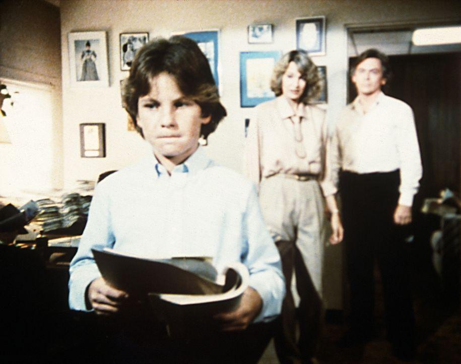 Ohne Wissen seines Vaters hat sich Brock (Bobby Jacobi, l.) um eine Filmrolle beworben. - Bildquelle: Worldvision Enterprises, Inc.