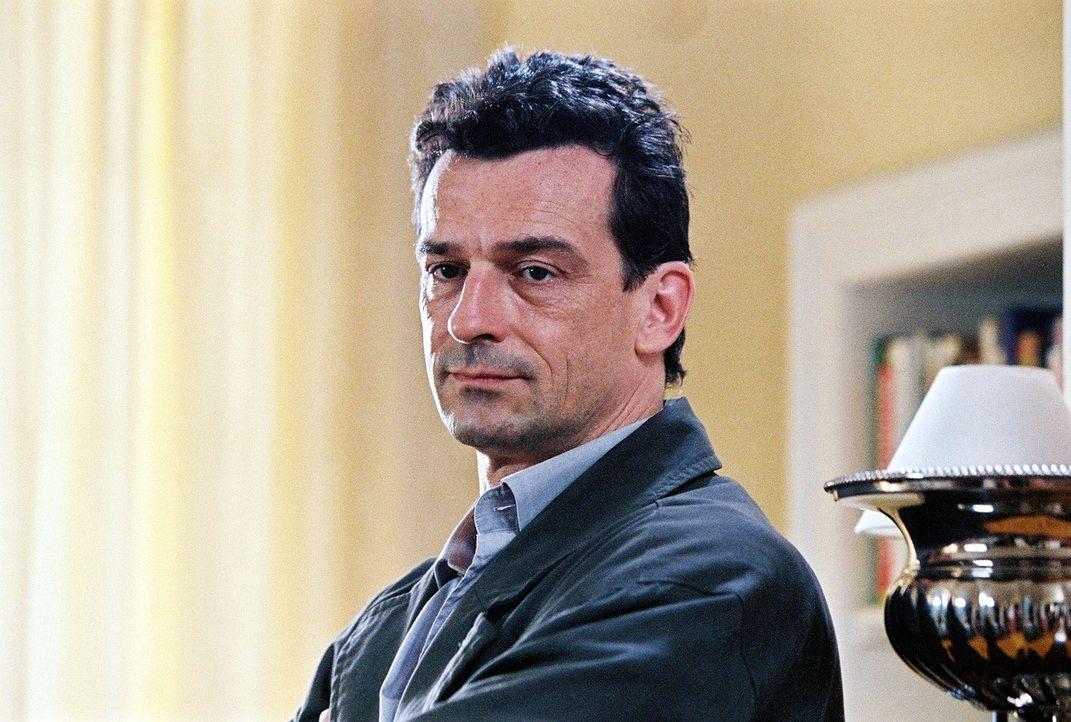 """Hauptkommissar Matthias Steiner (Thomas Sarbacher) ist Leiter der Abteilung für ungeklärte Tötungsdelikte, er ist """"der Elefant"""". - Bildquelle: Thomas Kost Sat.1"""