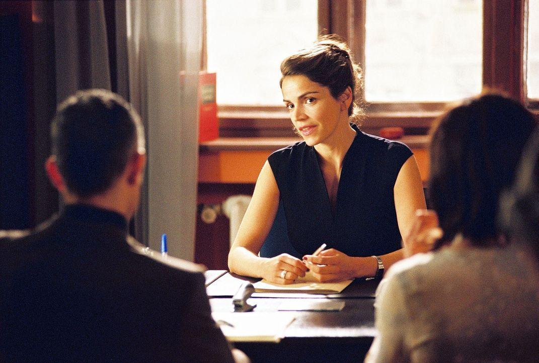 Sandra (Rebecca Immanuel) versucht, die verhärteten Standpunkte der Eheleute Sebold aufzubrechen. Bisher leider vergeblich ... - Bildquelle: Hardy Spitz Sat.1