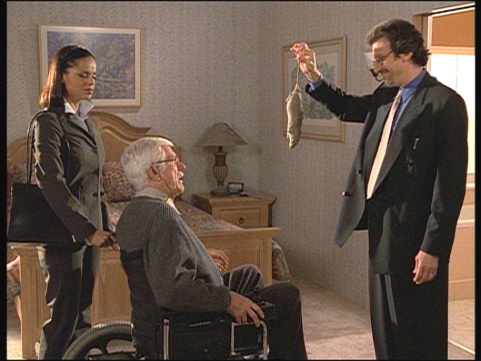Tod (Richard Cox, r.) hat in Marks (Dick Van Dyke, M.) Zimmer eine tote Ratte gefunden. Amanda (Victoria Rowell, l.) und Mark sind entsetzt über die... - Bildquelle: Viacom
