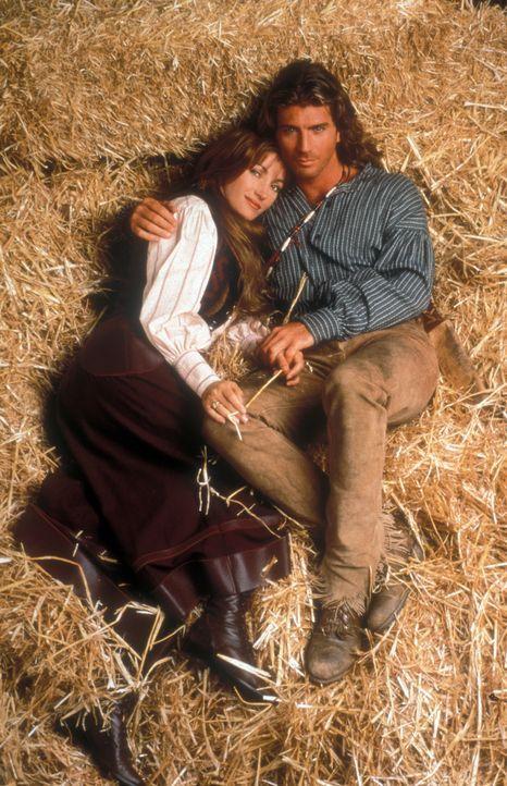 Während Dr. Quinn (Jane Seymour, l.) noch um das Vertrauen ihrer Mitbürger wirbt, treten der gut aussehende Witwer Byron Sully (Joe Lando, r.) und d... - Bildquelle: CBS Studios Inc. All Rights Reserved.