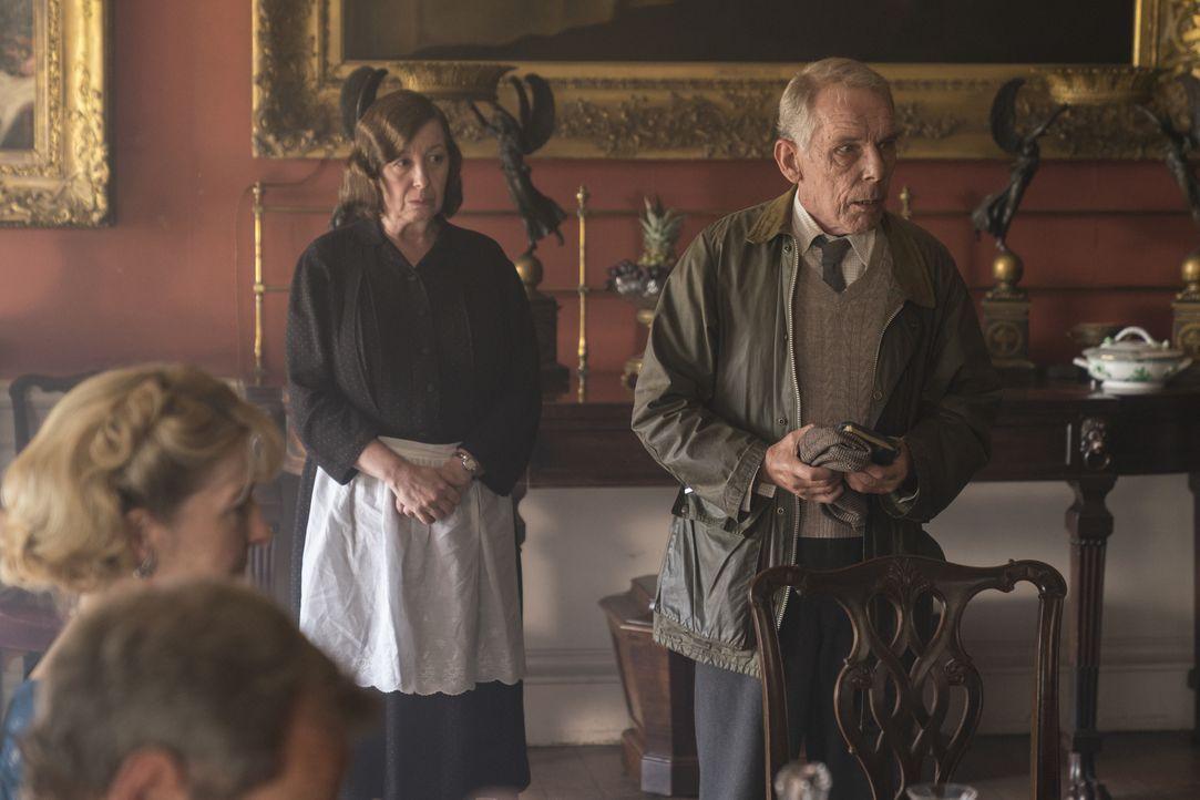 Mrs. Chapman (Tessa Peake-Jones, l.); ( Eli Roper (Christopher Fairbank, r.) - Bildquelle: Colin Hutton Kudos/ITV/Masterpiece / Colin Hutton