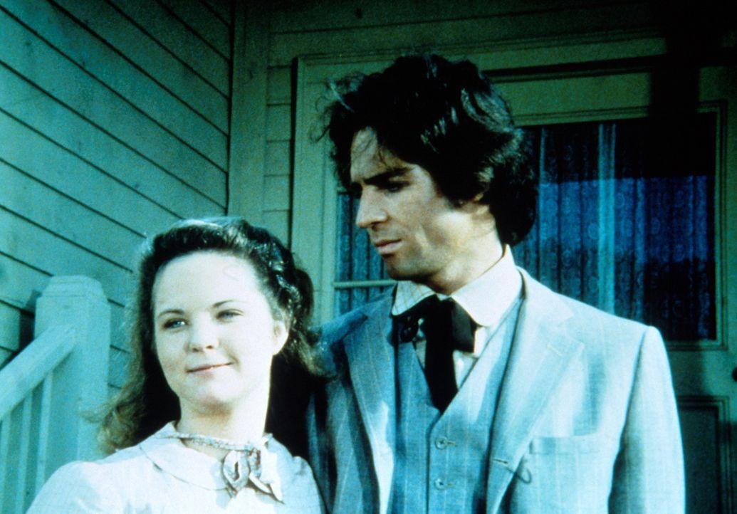Mary (Melissa Gilbert, l.) ist überglücklich: Sie ist wieder bei ihre Mann Adam (Linwood Boomer, r.) und die Chancen, dass ihr Sehvermögen wiedererl... - Bildquelle: Worldvision