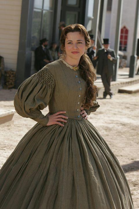 Die Tochter des Ladenbesitzers in Austin, Clara Forsythe (Linda Cardellini), führt ein gutes Leben. Zu ihrem Glück fehlt ihr lediglich ein Ehemann.... - Bildquelle: 2006 CBS Broadcasting Inc. All Rights Reserved.