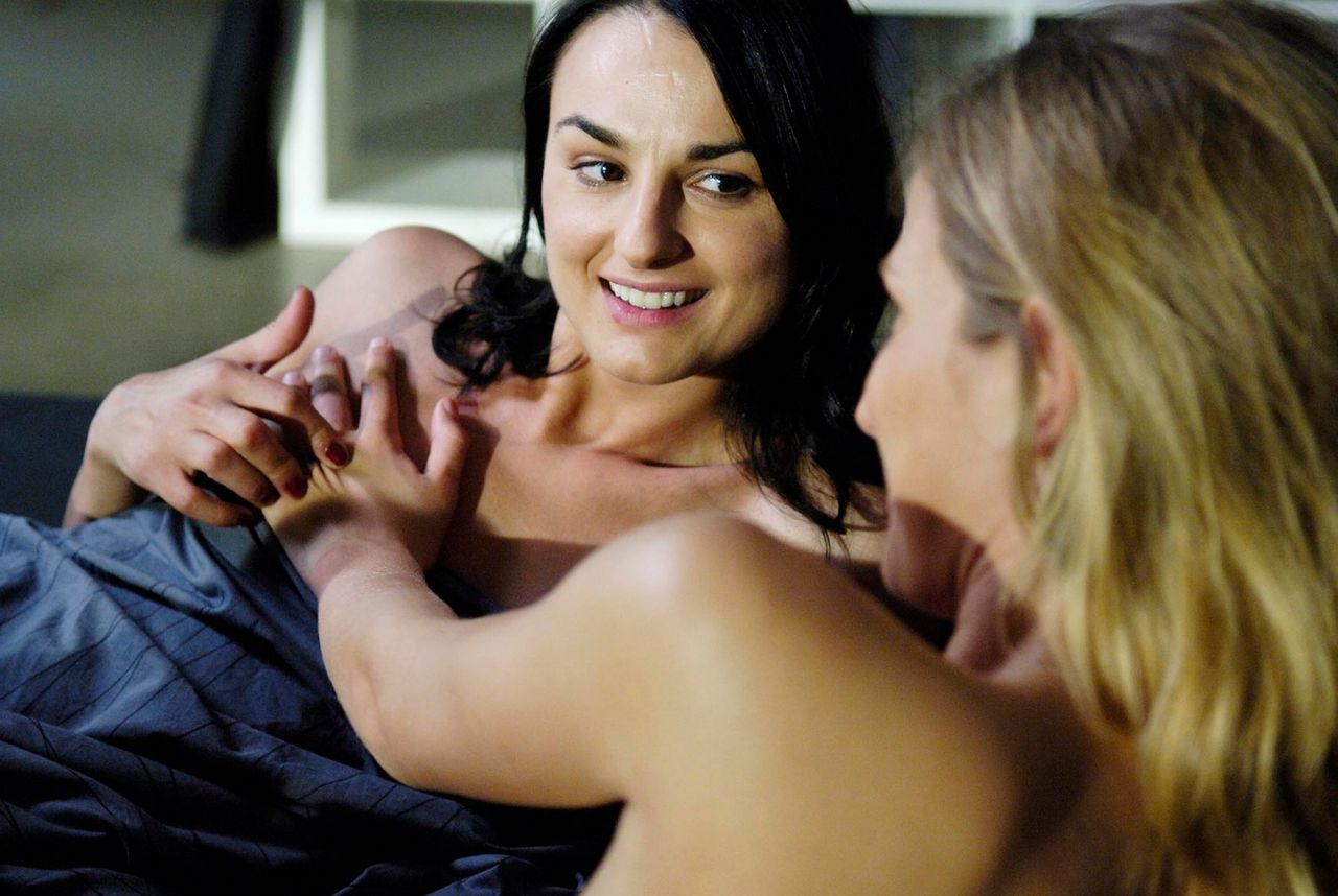 Schott  nackt Nathalie June