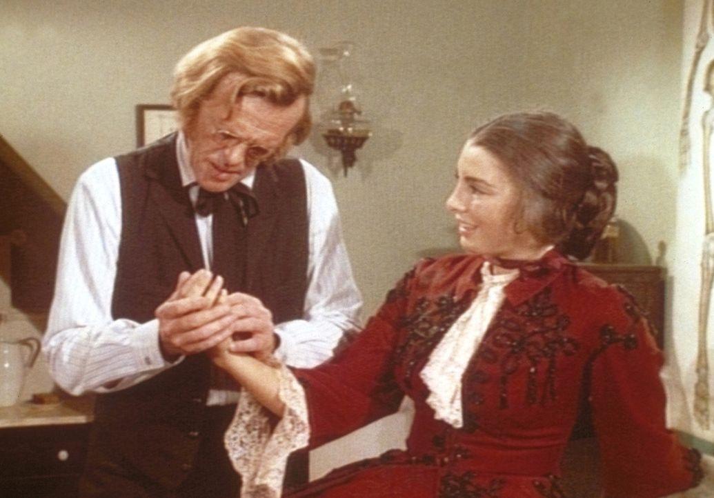 Bei ihrem Besuch in Walnut Grove verliebt sich die junge Kate Thorvald (Anne Archer, r.) in den wesentlich älteren Hurrom Baker (Kevin Hagen, l.). D... - Bildquelle: Worldvision