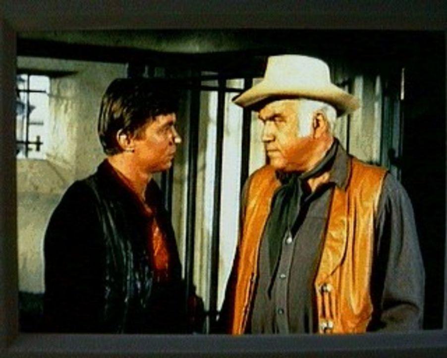 Colter Preston (Randy Boone, l.) kehrt nach 15 Jahren nach Virginia City zurück. Als Kind hat den Lynchmord an seinem Vater miterlebt, der ergebnisl... - Bildquelle: Paramount Pictures
