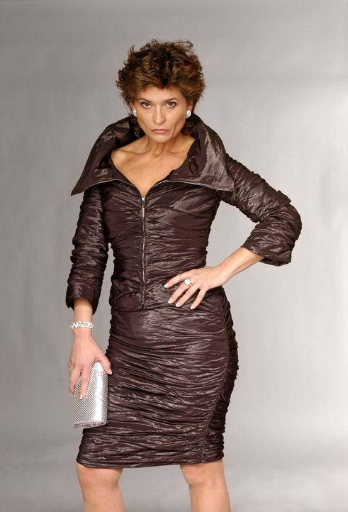 (2. Staffel) - Sophie von Brahmbergs (Gabrielle Scharnitzky) frühere Modelkarriere hat sie ganz bewusst als Sprungbrett für eine lukrative Ehe genut... - Bildquelle: Andre Kowalski SAT.1