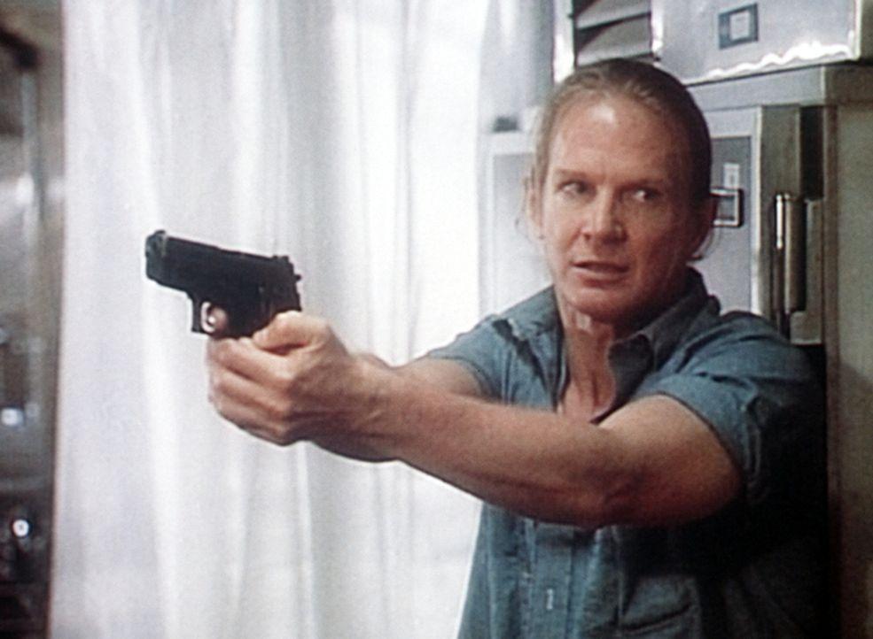 Der krebskranke Paul (Darrell Larson) hat drei Menschen als Geiseln genommen. - Bildquelle: Viacom