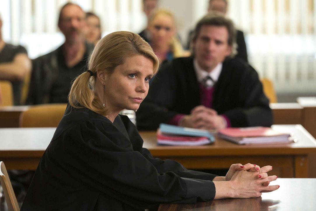 Privat wie auch beruflich geht es bei Danni (Annette Frier) turbulent weiter ... - Bildquelle: Frank Dicks SAT.1