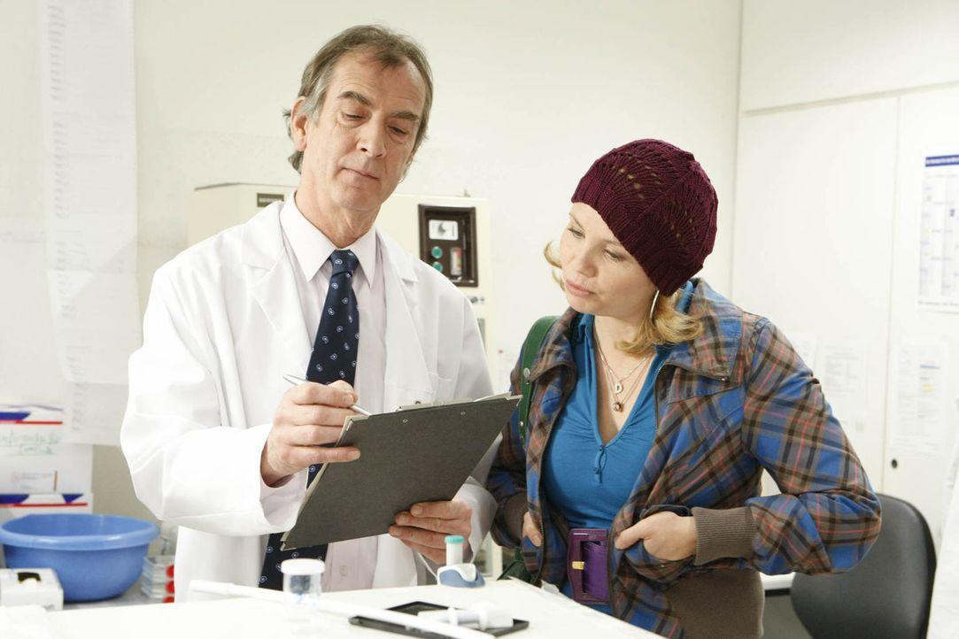 Da das Pharmaunternehmen nicht bereit ist, für die kostspielige Behandlung von Frank Droste, der seit einem Medikamententest unter Netzhautablösung... - Bildquelle: Frank Dicks SAT.1