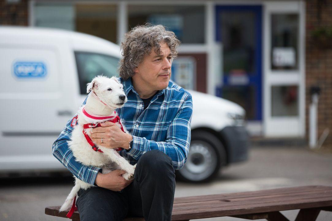 Oftmals müssen Hundebesitzer ihr Leben umkrempeln, wenn sie ihre geliebten V... - Bildquelle: Middlechild Productions
