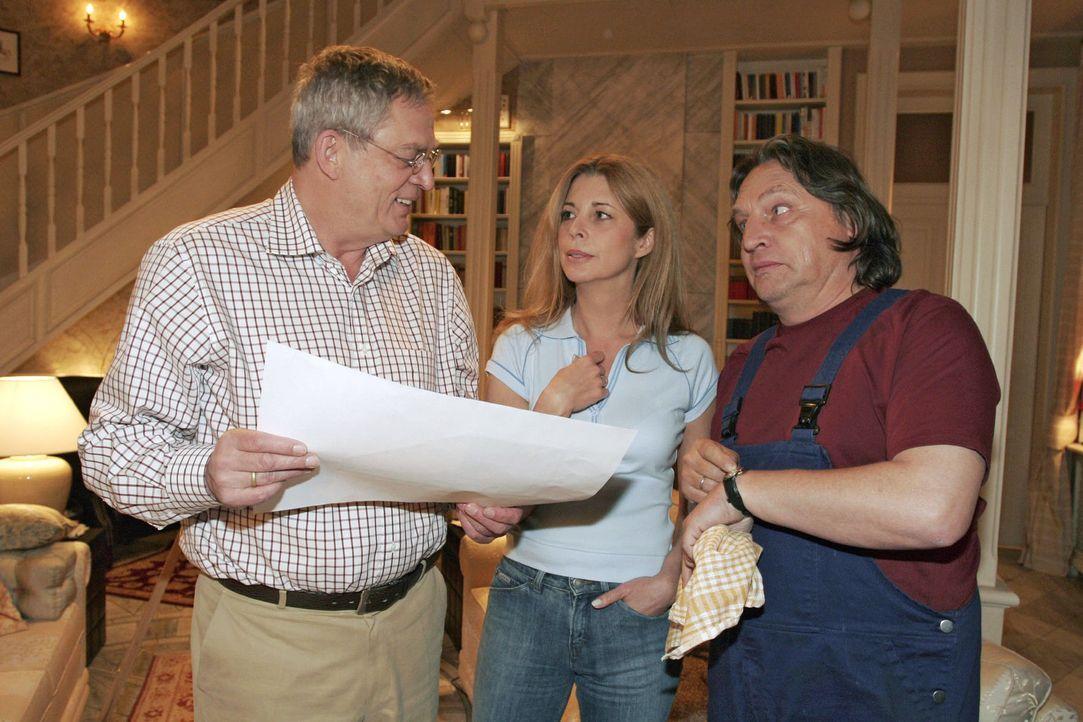 Friedrich (Wilhelm Manske, l.) verteidigt Laura (Olivia Pascal, M.) und Bernd (Volker Herold, r.) gegenüber seine neu entdeckten Malkünste. - Bildquelle: Noreen Flynn Sat.1