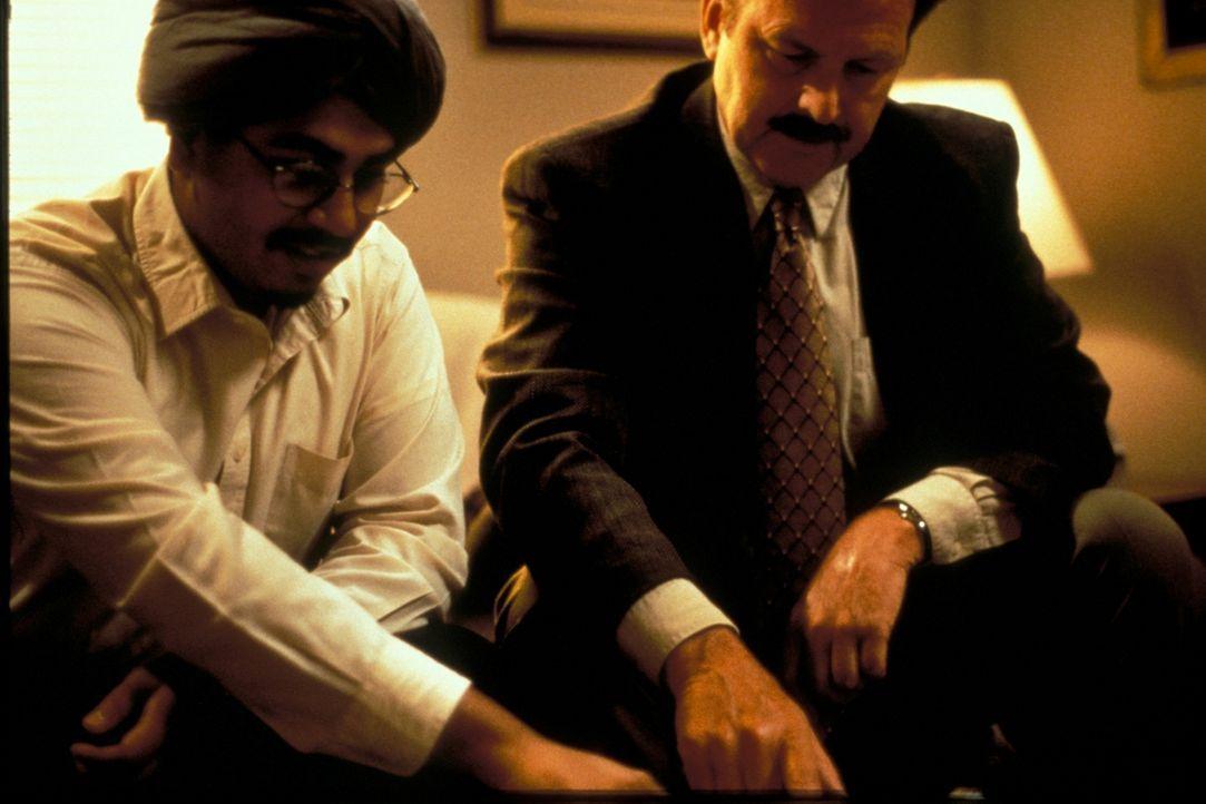 Die zunächst überschaubaren Ermittlungen gegen den betrügerischen Geschäftsmann Gurmeet Dhinsa fördern Erschreckendes zu Tage ... - Bildquelle: New Dominion Pictures, LLC
