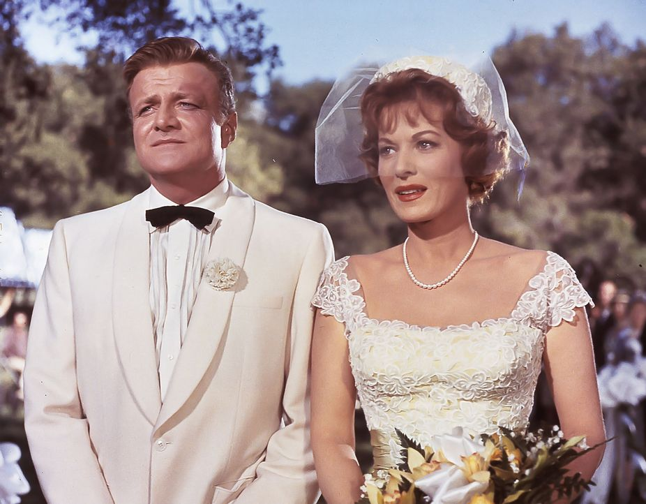 Ende gut, alles gut: Maggie (Maureen O'Hara, r.) und Mitch (Brian Keith, l.) ... - Bildquelle: Walt Disney Company.  All Rights Reserved.