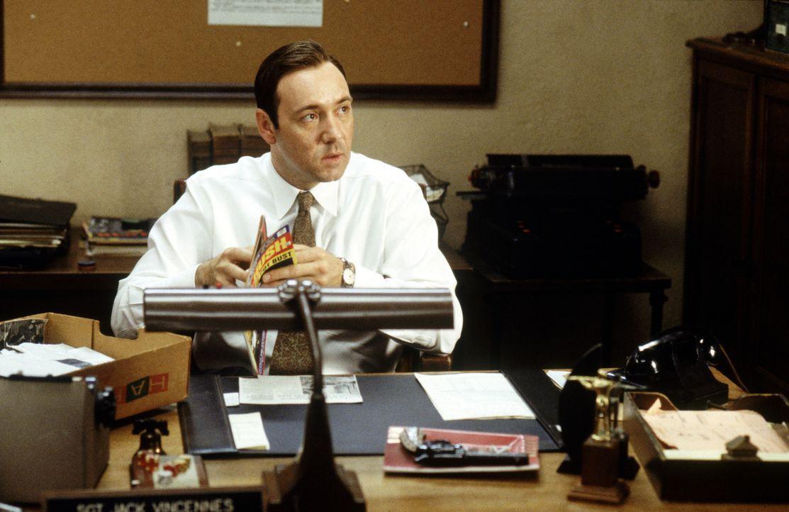 Jack Vincennes (Kevin Spacey) - Bildquelle: 1997 Warner Bros. Entertainment Inc.  All rights reserved.