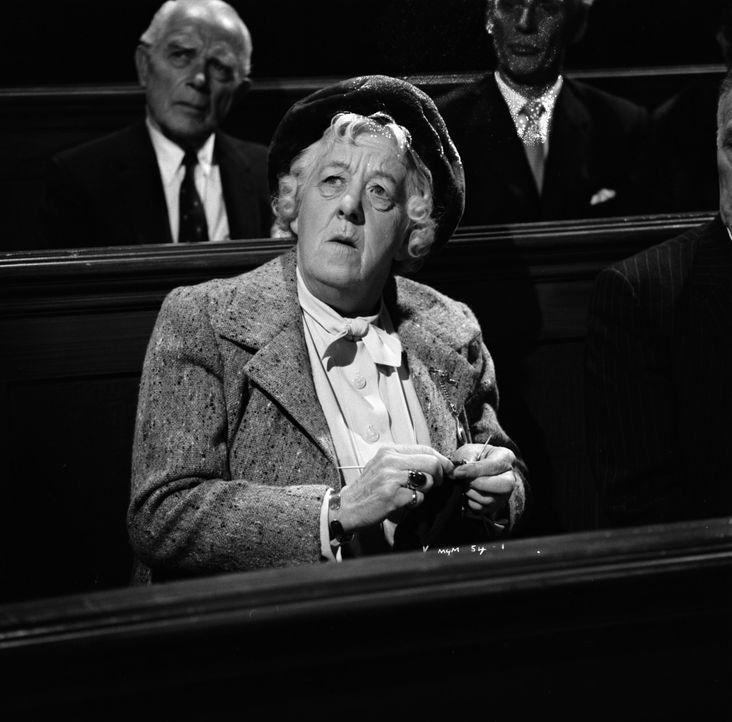 Als sich Miss Marple (Margaret Rutherford), die kauzige alte Lady, um eine Rolle bei einer drittklassigen Theatergruppe bewirbt, geht es ihr natürli... - Bildquelle: Warner Brothers