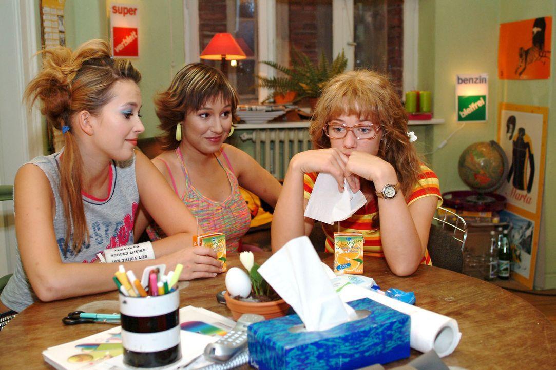 Lisa (Alexandra Neldel, r.) kann auch bei Hannah (Laura Osswald, l.) und Yvonne (Bärbel Schleker, M.) keinen richtigen Trost finden, nachdem Jürgen... - Bildquelle: Monika Schürle Sat.1