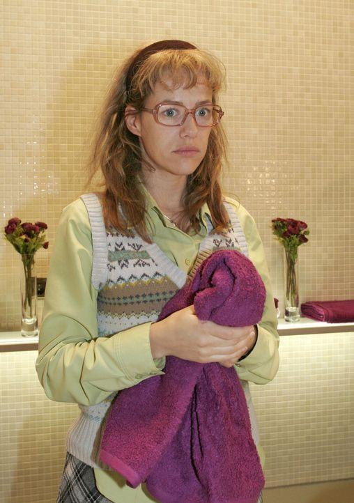 Nachdem das Supermodel Magdalena den Waschraum verlassen hat, wird Lisa (Alexandra Neldel) wieder einmal bewusst, dass sie nie einen Platz in der We... - Bildquelle: Noreen Flynn Sat.1