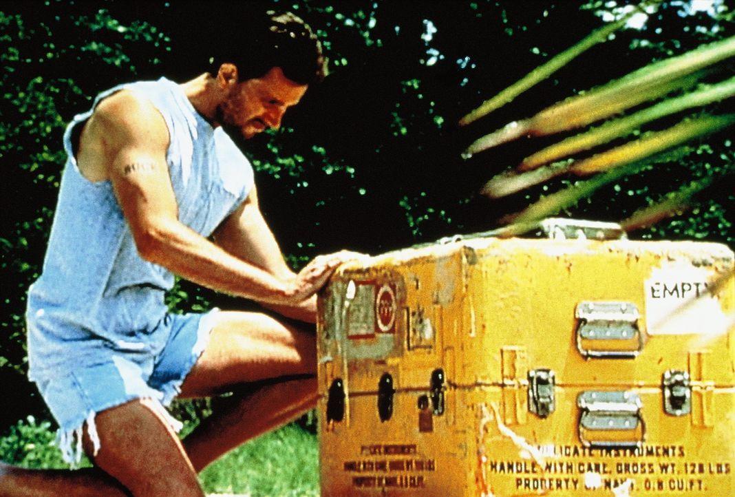 Eigentlich wollte Buck Walker mit seiner Freundin Urlaub im Paradies machen, doch dann kommt ihm eine tödliche Idee ... - Bildquelle: New Dominion Pictures, LLC