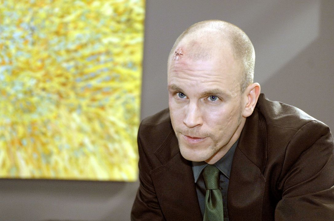 Gerrit (Lars Löllmann) will weiter auf Zeit spielen ... - Bildquelle: Oliver Ziebe Sat.1