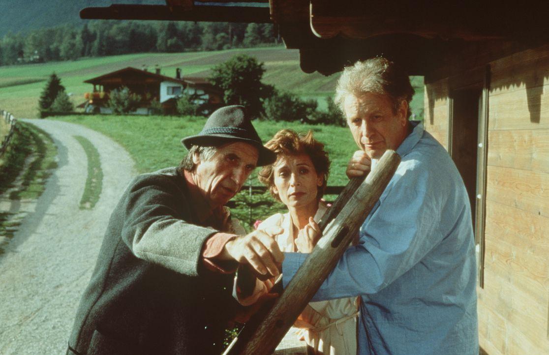 (v.l.n.r.) Herr Konrad (Herbert Fux); Dr. Sabina Spreti (Anita Zagaria); Dr. Thomas Burgner (Gerhart Lippert) - Bildquelle: Beta Film GmbH