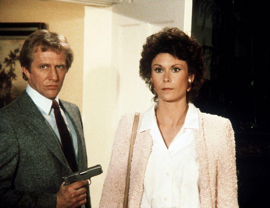Unverhofftes Wiedersehen: Amanda (Kate Jackson, r.) begegnet Lee in Gesellschaft von Harris (George McDaniel, l.), einem richtig hartgesottenen Verb...