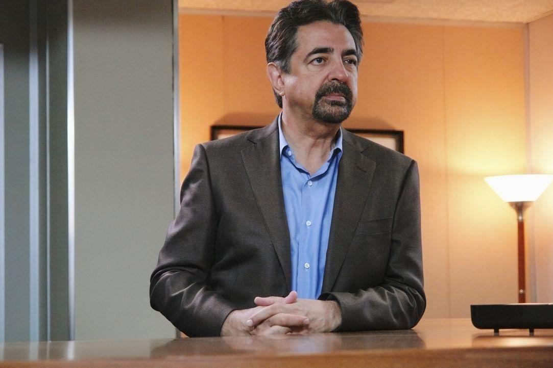 Gemeinsam mit Reid versucht Rossi (Joe Mantegna) den Mörder von Riley zu finden. Das ist allerdings keine leichte Aufgabe, da der Fall schon einige... - Bildquelle: Richard Cartwright 2008 ABC Studios. All rights reserved. NO ARCHIVE. NO RESALE. / Richard Cartwright